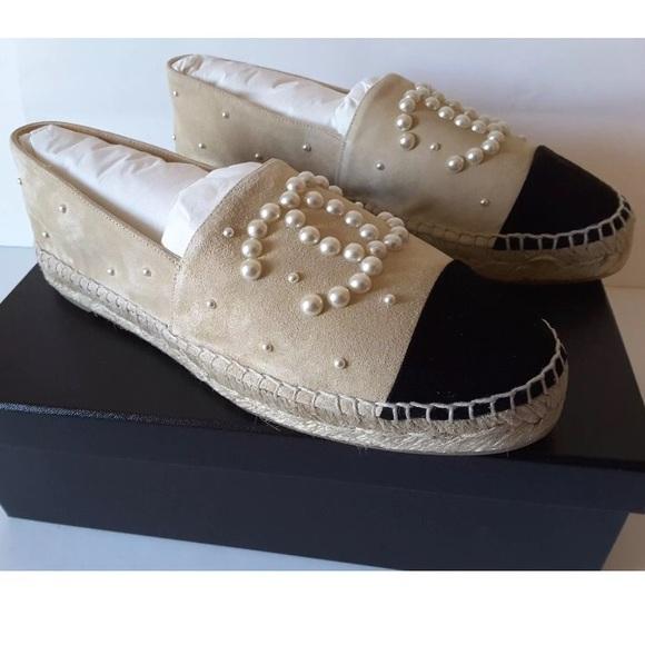 26e30251e3af Chanel Espadrilles Suede Pearl CC Beige Black